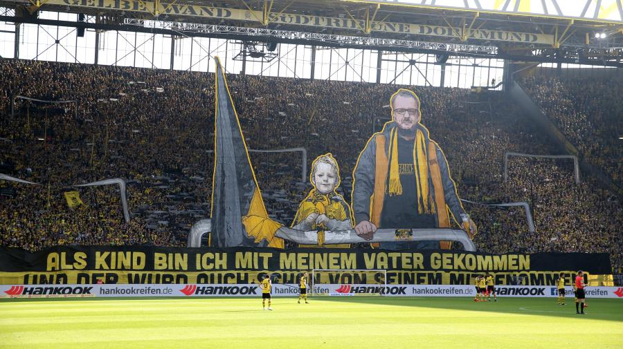 Beeindruckende Vater Sohn Choreographie In Dortmund