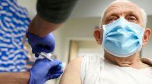 Covid-19: Was US vaccine rollout a 'dismal failure' under Trump?