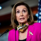 U.S. House Speaker Pelosi discusses aid with airline CEOs: sources