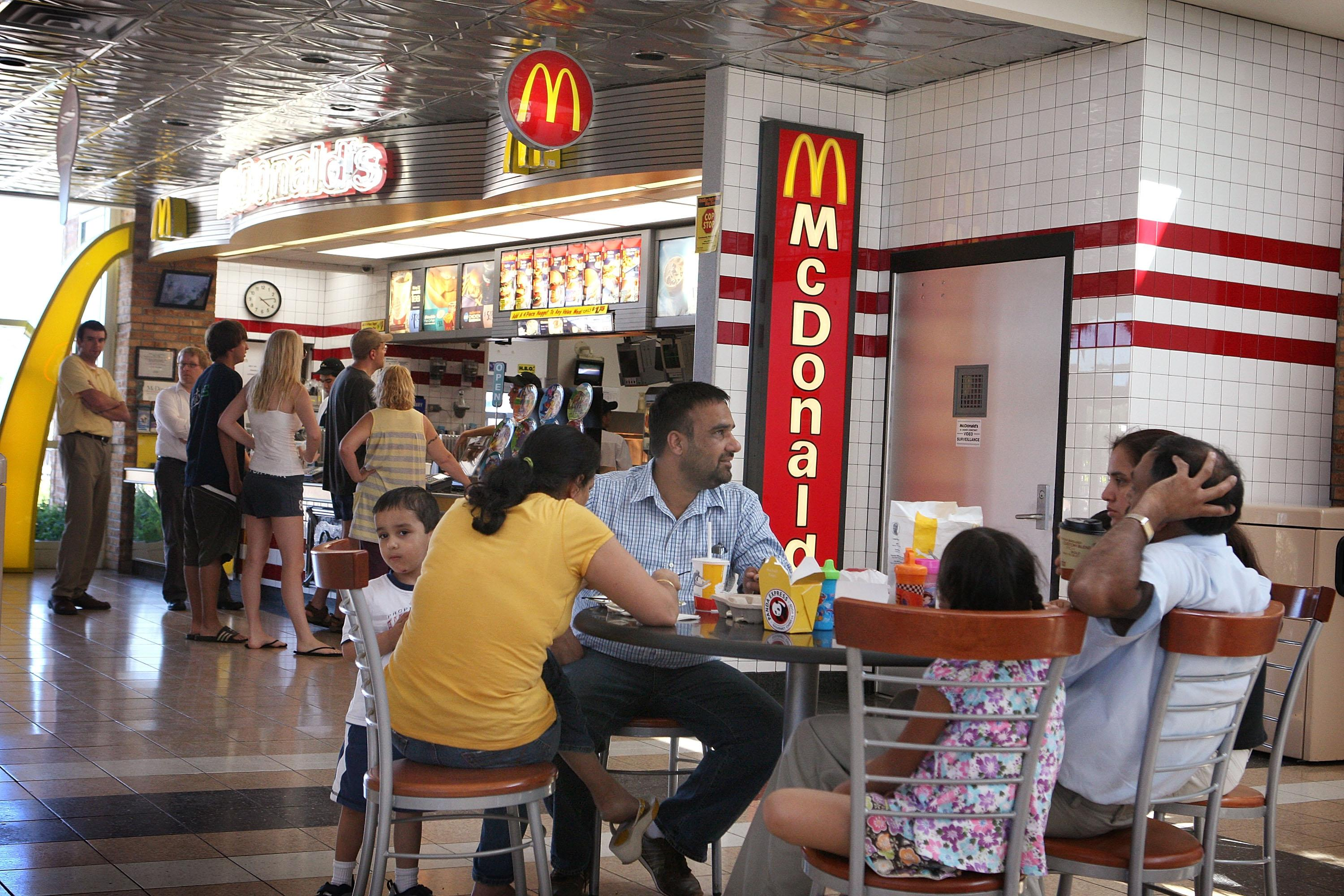 mc donald fast food restaurants essay Fast-food enterprises stores constituted over 800 thousand, the fast-food industry turnover reached 75 billion yuan, accounting for 1/3 of the total food, and the beverage industry and its turnover over the previous year had an increase of 20%.