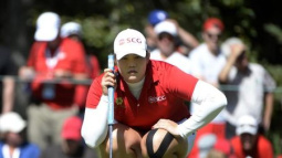 Jutanugarn grabs lead, eyes fifth title of the year