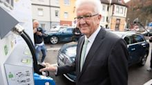 Kretschmann bezweifelt schnellen Siegeszug des E-Autos