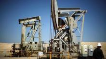 Oil gains in weekly recovery on equities rebound, weak dollar