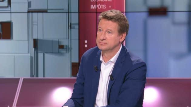 """Présidentielle: Jadot se pose en candidat de l'""""espoir"""" face à Zemmour """"le petit collabo de service"""""""