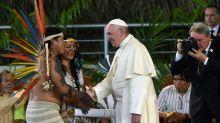Papa visita região peruana vítima da febre do ouro
