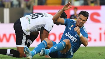 Ronaldo, Juventus sputter but win opener