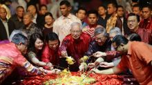 Don't gamble country's future on unproven and untested parties, Najib tells business community