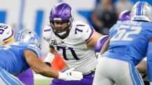 Report: Riley Reiff agrees to redo deal with Vikings