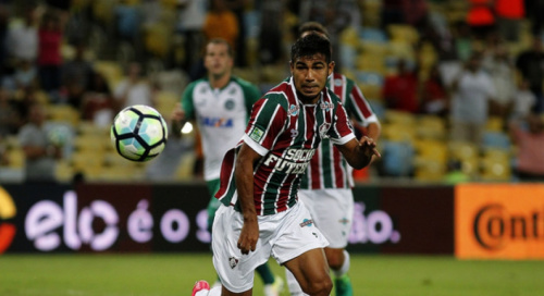 Sornoza admite nervosismo após pênalti perdido no Maracanã