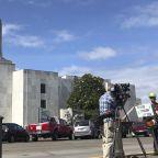 Oregon statehouse closed over militia threat following Republican walkout