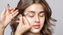 Beleza em casa: como fazer uma solução natural para fortalecer as sobrancelhas