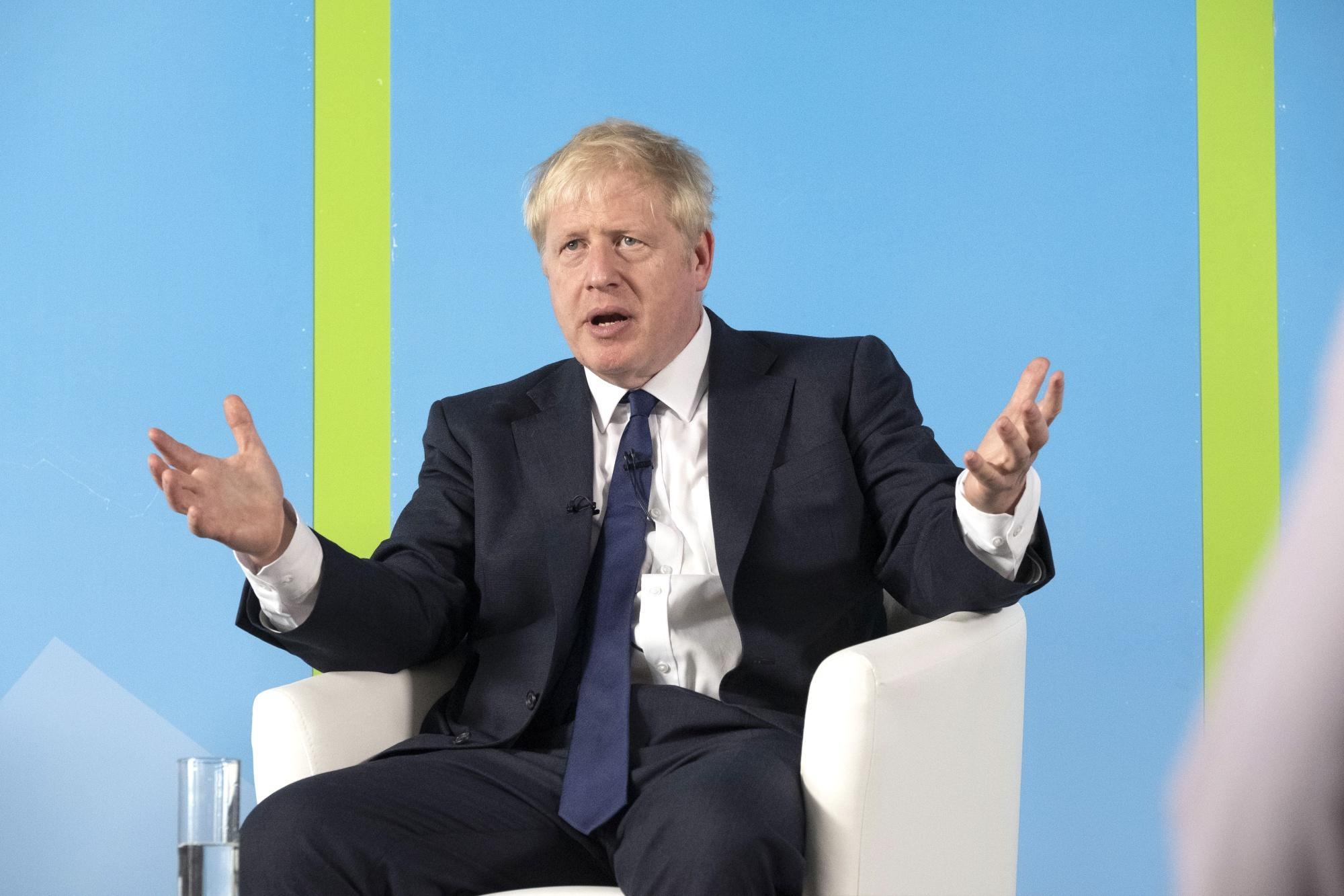 Boris Johnson on course for landslide win to become UK PM