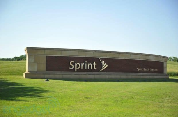 Sprint sells 1.5 million iPhones, 1 million other smartphones, but makes a net loss of $767 million