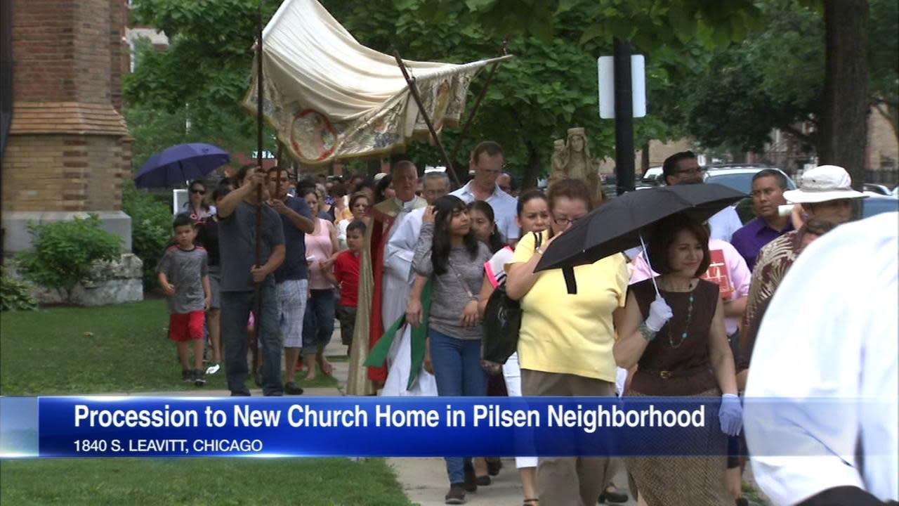 Amid church mergers, St. Ann Catholic Church parishioners join St. Paul's Catholic Church in Pilsen