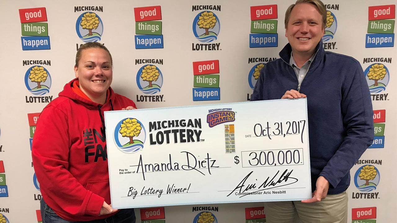 Woman Says She Wants to Win Lottery to Pay Off Student Loan Debt, Wins $300,000 From Bingo Ticket Same Day