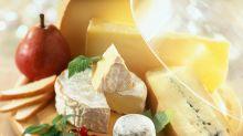 Käse auf keinen Fall in Frischhaltefolie wickeln - das ist der Grund