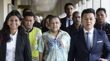 Isa Samad arrives ahead of corruption prosecution