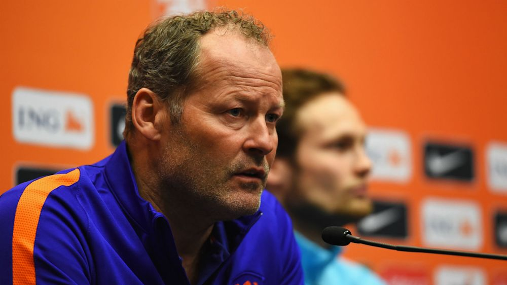 Netherlands sack Blind after Bulgaria loss