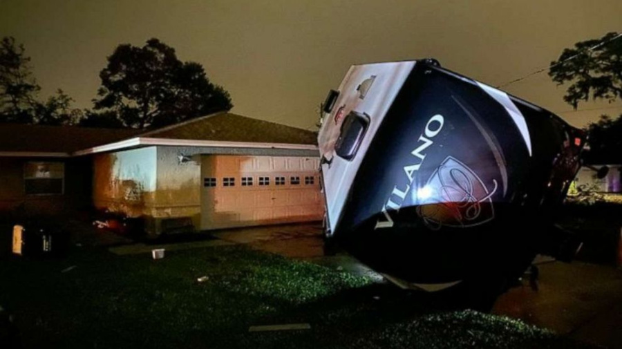 Nestor batters Florida with storm surge, tornadoes
