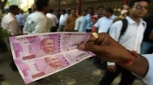 Rupee only emerging Asian currency to weaken this quarter
