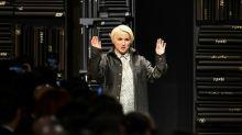 Semanas de Moda de Londres e Milão prestam homenagem a Lagerfeld