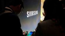 Samsung Elec flags earnings miss as chip prices slide