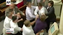 Brawl Breaks Out in Ukraine Parliament Over Flight MH-17 Vote