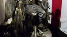 """Templo Satânico entra em acordo com Netflix sobre uso de estátua em """"Sabrina"""""""