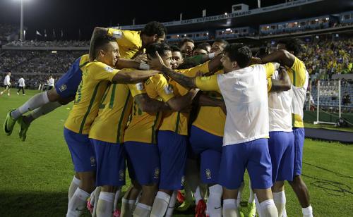 Nona vitória de Tite no comando do Brasil dá 22% de lucro diante do Paraguai