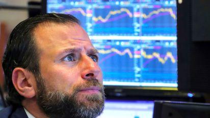 Stocks fall, US oil posts longest losing streak