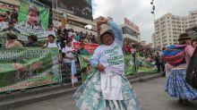 Cientos de cocaleros de La Paz protestan contra Evo Morales