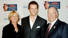 Tom Brady's parents contracted COVID-19, father hospitalized at start of Buccaneers' season
