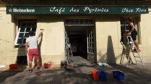"""""""C'est le prix à payer pour que l'activité reprenne"""" : Bayonne exonère les cafetiers des droits d'occupation des terrasses"""