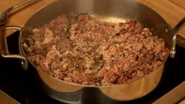 Around the World in 80 Dishes - How to Make Italian Pasta Bolognese, Part 1