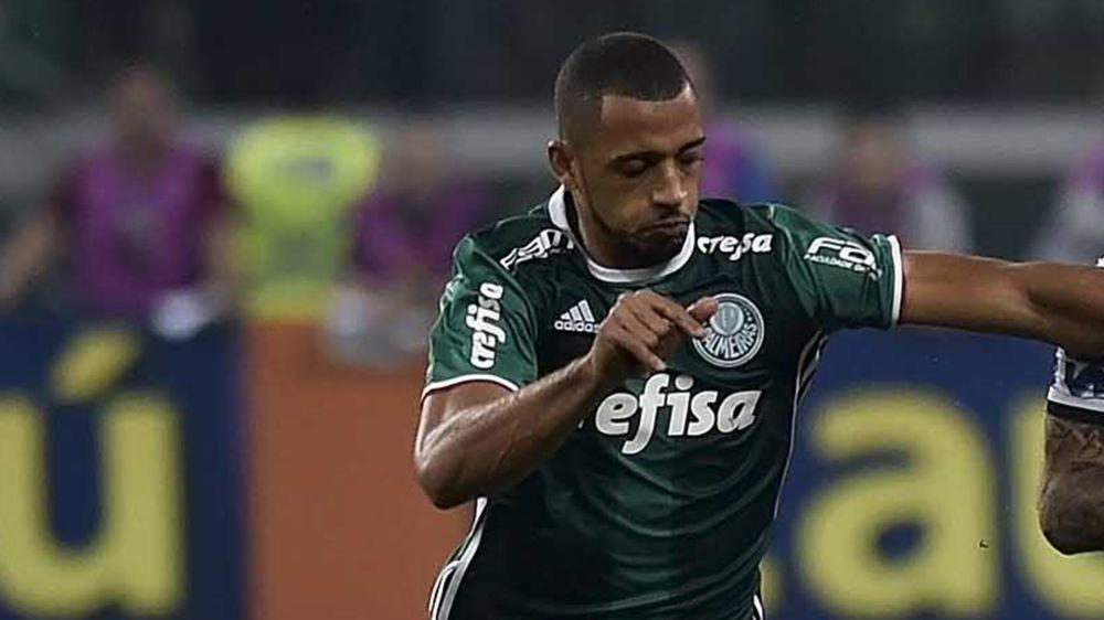 Vitor Hugo é denunciado por cotovelada em Pablo e pode não jogar mais o Paulistão