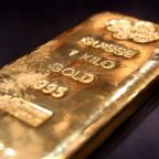 Gold falls after Trump says close to trade deal
