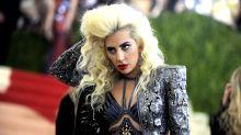 Lady Gaga anuncia noivado com agente ao agradecer homenagem durante evento nos EUA