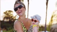 Sabrina Sato lança moda com mini turbante de Zoe