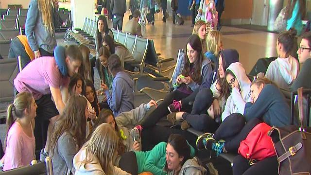 Spring breakers stranded at airport