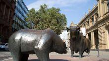 Bond ETFs Nearing Record Inflows as Investors Hedge Stock Plunge