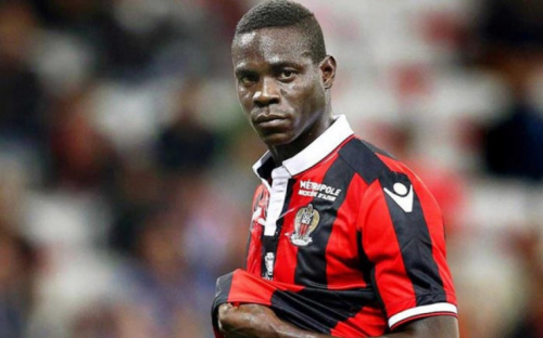 Disposto a renovar com o Nice, Balotelli define valor do salário