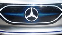 Borsa, case auto Ue calano dopo profit warning Daimler su dazi Usa