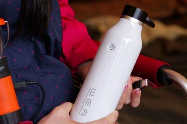 WEA Bottle, la botella USB que saciará la sed de tus gadgets