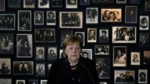 A Auschwitz, Merkel réaffirme le devoir de mémoire de l'Allemagne