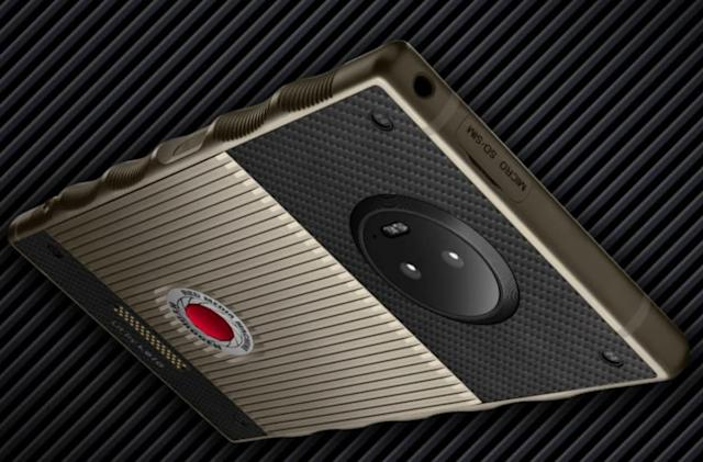 RED finally ships the $1,600 titanium Hydrogen One