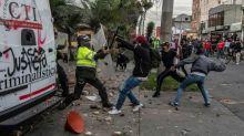 Protestos contra violência policial na Colômbia terminam em sete mortos