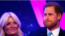 Harry se emociona en público hablando del embarazo de Meghan
