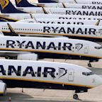 Coronavirus: Ryanair pilots agree 20% pay cut amid job loss warnings