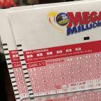 U.S. Mega Millions jackpot nears $1 billion hours before drawing