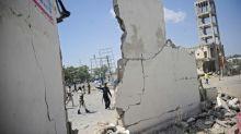 Explosão de carro-bomba mata oito na capital da Somália